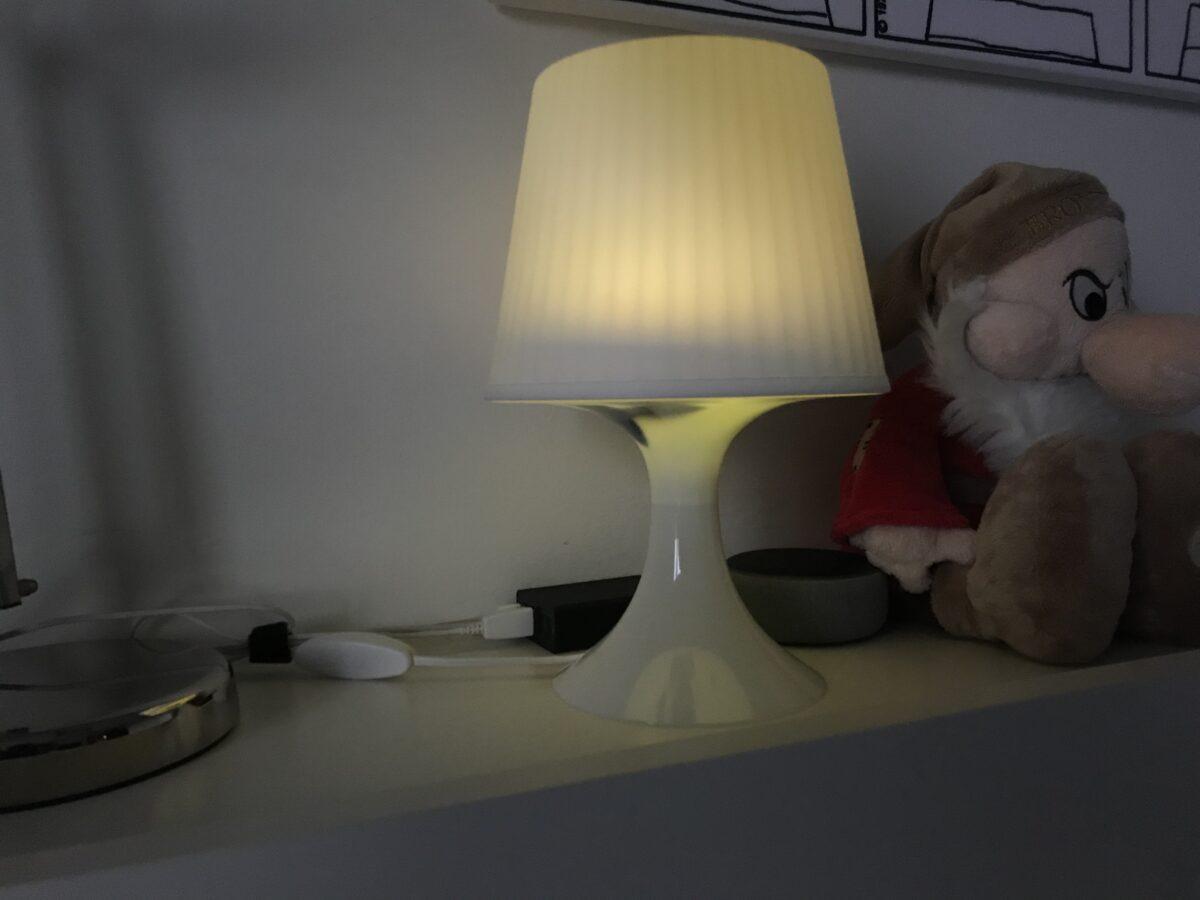 LED RGB dentro una lampada Ikea